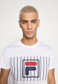 Fila - SAUTS TEE - Print T-shirt - bright white - 5