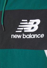 New Balance - ATHLETICS HIGHER LEARNING - Windbreaker - green - 2