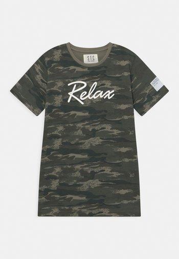 TEENAGER - Print T-shirt - olive