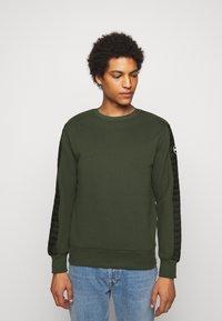 Colmar Originals - Sweatshirt - dark green - 0