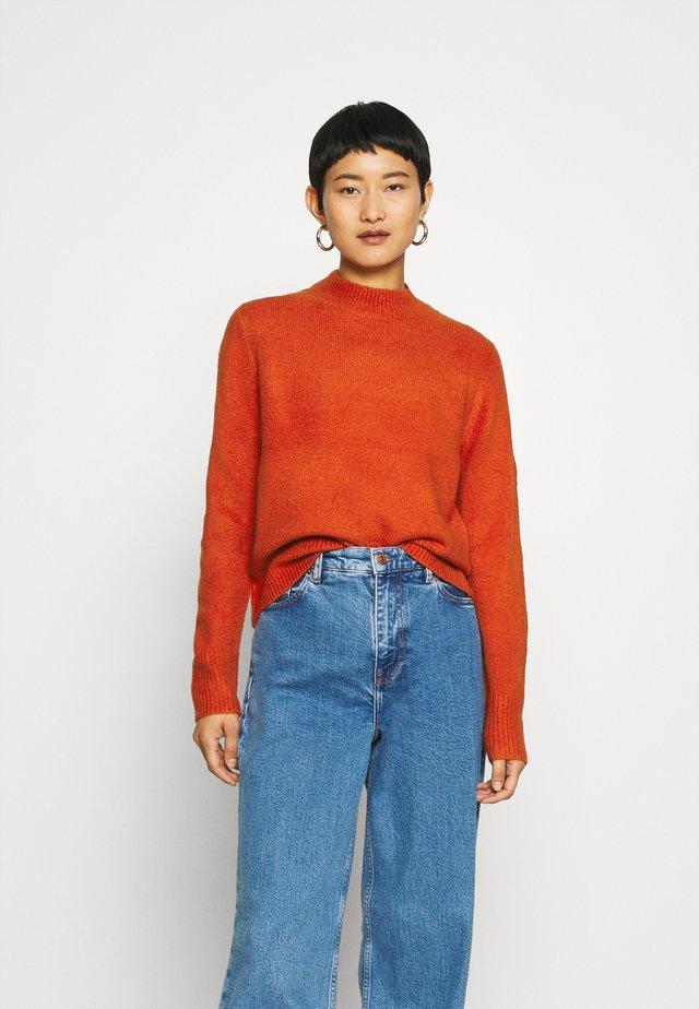 DEE - Stickad tröja - pureed pumkin