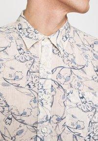 120% Lino - FLORAL PRINT - Shirt - ivory soft fade - 5