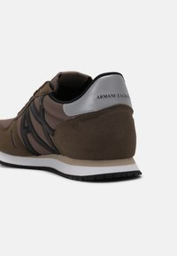 Armani Exchange - Trainers - brown/taupe - 6