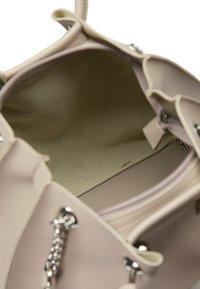 usha - Handbag - light grey - 3
