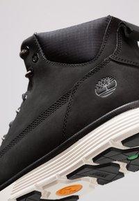 Timberland - KILLINGTON - Höga sneakers - black/white - 5