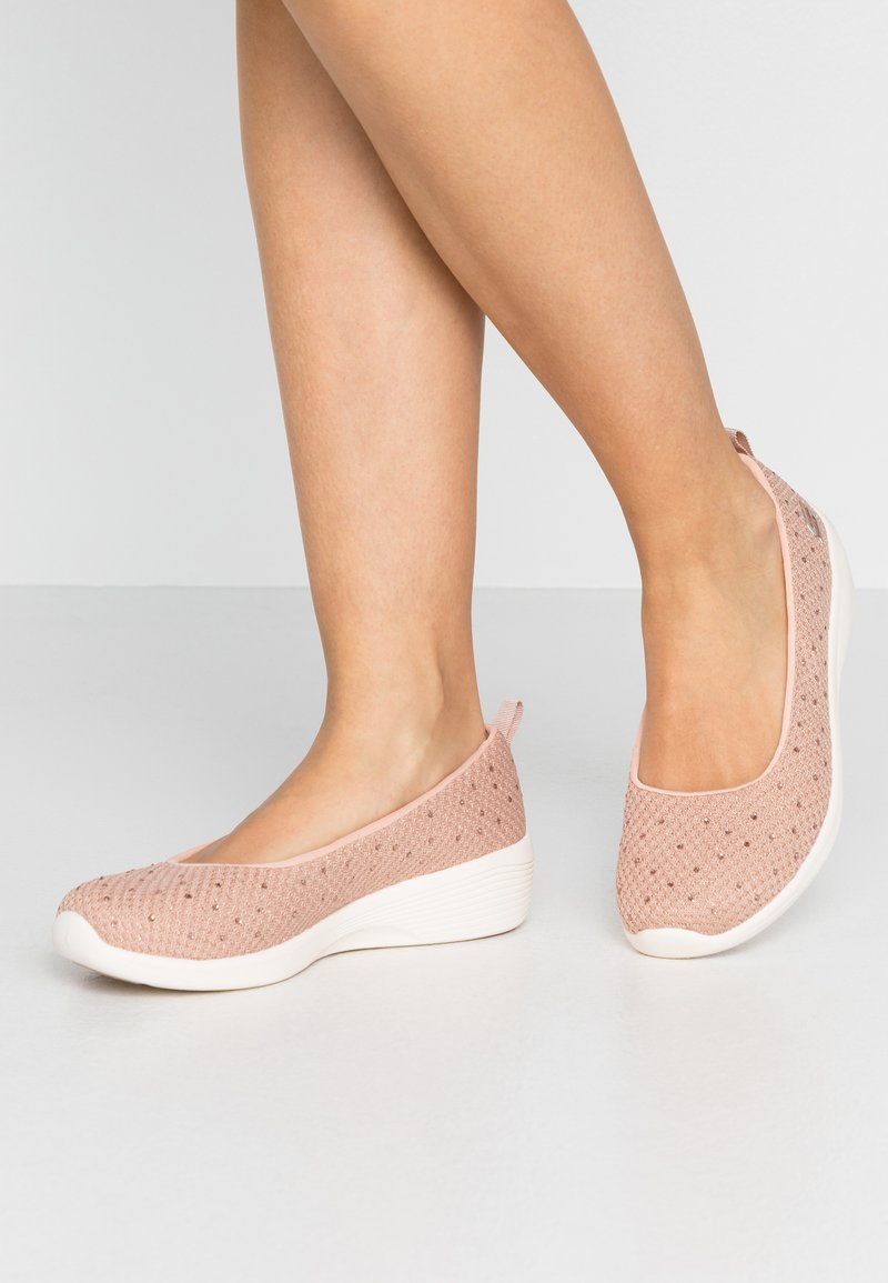 Skechers - ARYA - Baleríny - rose metallic/offwhite/rose gold