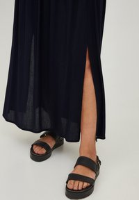 ICHI - IHMARRAKECH - Pleated skirt - new total eclipse - 3