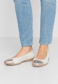 Jana - Ballet pumps - gold - 0