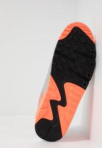 Nike Sportswear - AIR MAX 90 - Trainers - white/hyper orange/light smoke grey - 4