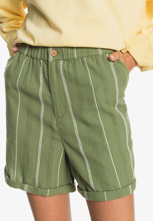 DIAMOND GLOW - Shorts - vineyard green