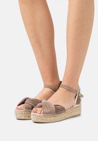 Gaimo - EZILDA - Platform sandals - taupe - 0