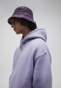 PULL&BEAR - Luvtröja - purple - 6