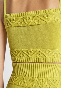 Glamorous - CARE CROPPED CAMI - Topper - olive green - 5