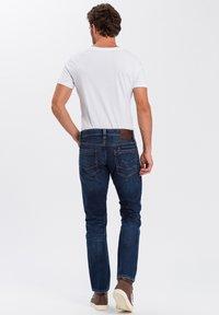 Cross Jeans - DYLAN - Straight leg jeans - dark-blue - 2