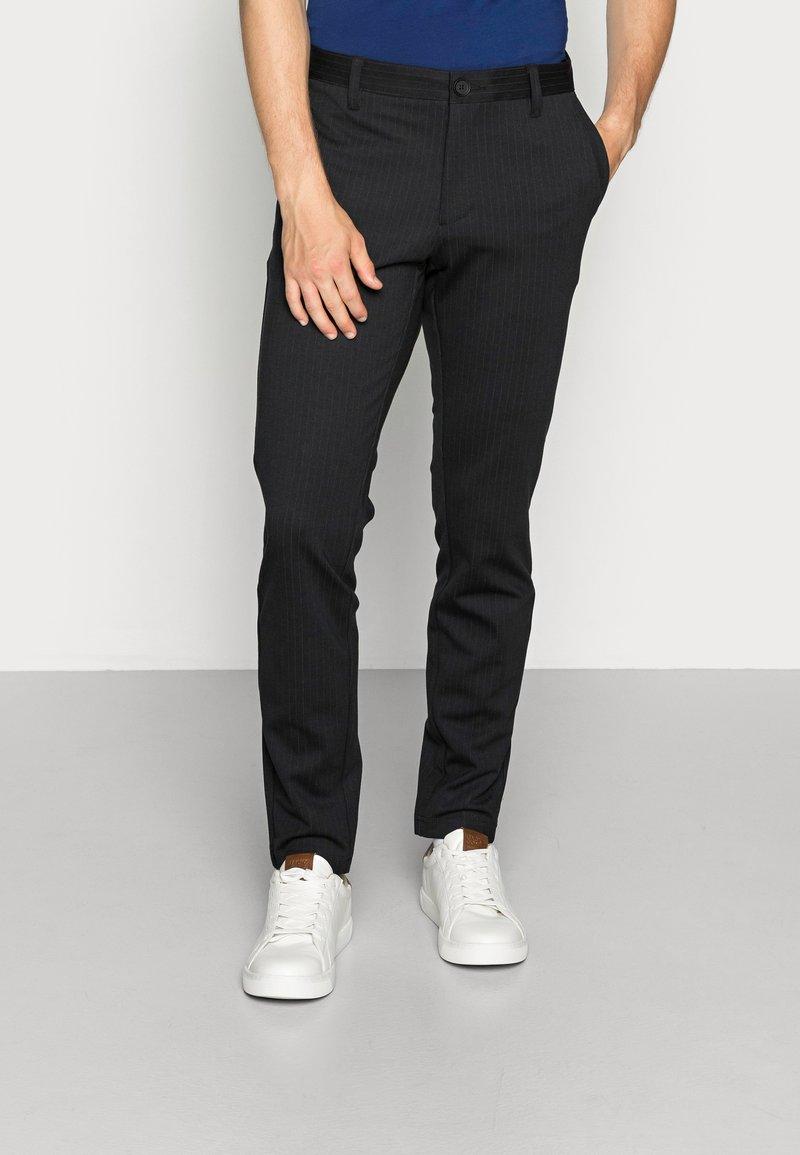 Only & Sons - ONSMARK PANT STRIPE - Spodnie materiałowe - black