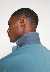 Isaac Dewhirst - PLAIN SUIT SET - Suit - turquoise - 6