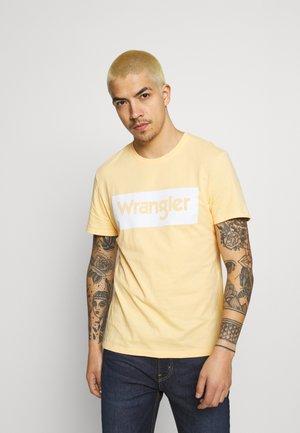 LOGO TEE - T-shirt z nadrukiem - lovely mango
