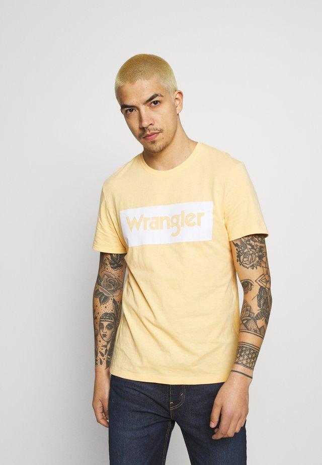 LOGO TEE - T-shirt con stampa - lovely mango
