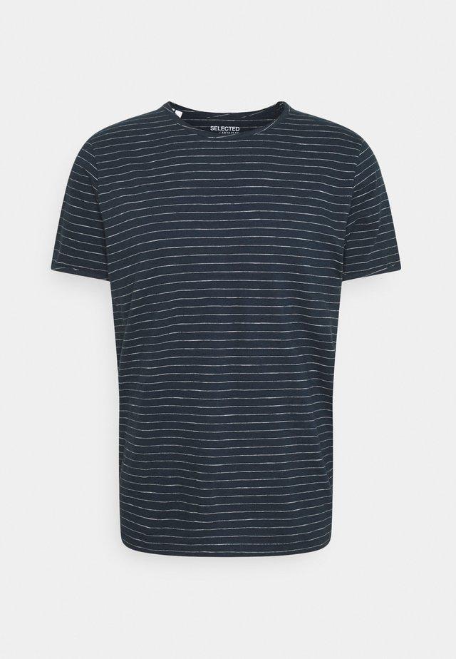 SLHMORGAN STRIPE O NECK TEE - T-shirt con stampa - dark sapphire/egret