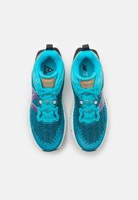 New Balance - HIERRO - Zapatillas de trail running - turquoise - 3