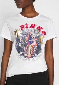 Pinko - DURANTE - T-shirt z nadrukiem - white - 4