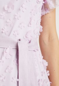 Apart - EMBROIDERED DRESS - Cocktail dress / Party dress - lavender - 6