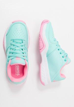 COURT EXPRESS OMNI - Multicourt tennis shoes - aruba blue/soft neon pink/white