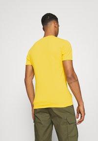 G-Star - BASE 2 PACK - T-shirt - bas - yellow cab - 2