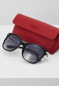 Guess - Sunglasses - black - 3