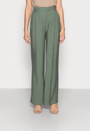 MOORE PLEATED PANTS - Trousers - laurel green