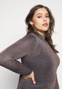 CAPSULE by Simply Be - CYBER FUNNEL NECK JUMPER - Jumper - navy/copper - 5