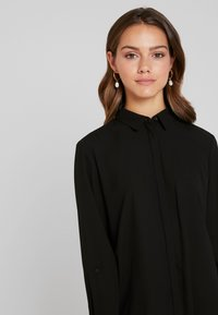 Esprit Collection Petite - APAC ESSENTIAL - Chemisier - black - 3
