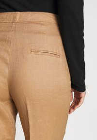 Benetton - TROUSERS - Spodnie materiałowe - beige - 4