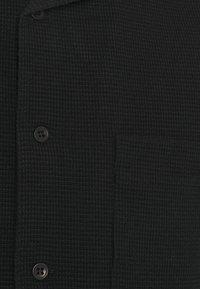 oftt - WAFFLE - Vapaa-ajan kauluspaita - black - 6