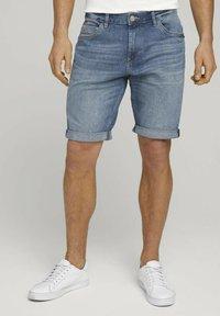 TOM TAILOR - Denim shorts - mid stone wash denim - 0