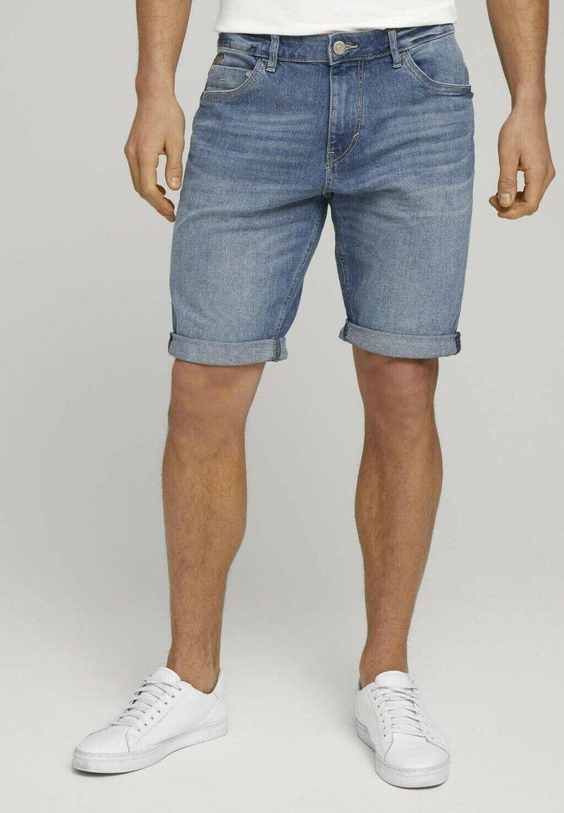 TOM TAILOR - Denim shorts - mid stone wash denim