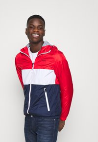 Jack & Jones - JJHUNTER - Allvädersjacka - true red - 3