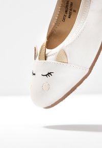 Walnut - CATIE UNICORN - Ballet pumps - pearl - 5