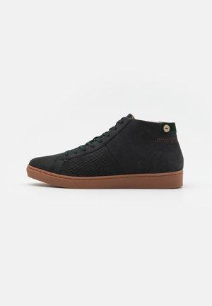 ASPEN BASKETS  - High-top trainers - black