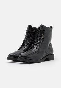 s.Oliver BLACK LABEL - Šněrovací kotníkové boty - black - 2