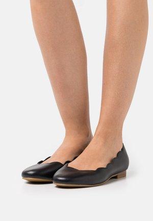 Ballet pumps - black