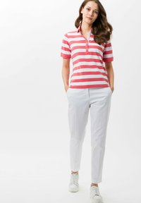 BRAX - STYLE CLEO - Polo - coral - 1