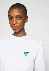 Guess - ELIZA TEE - Long sleeved top - true white - 3