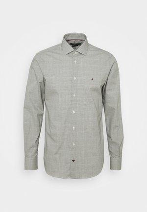 DOBBY GLEN CHECK SLIM FIT - Shirt - putting green/white