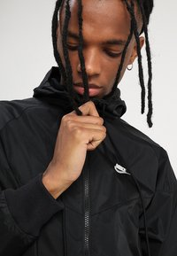 Nike Sportswear - Windbreaker - black - 3