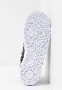 Nike Sportswear - AIR FORCE 1 - Sneaker low - pumice/white - 6