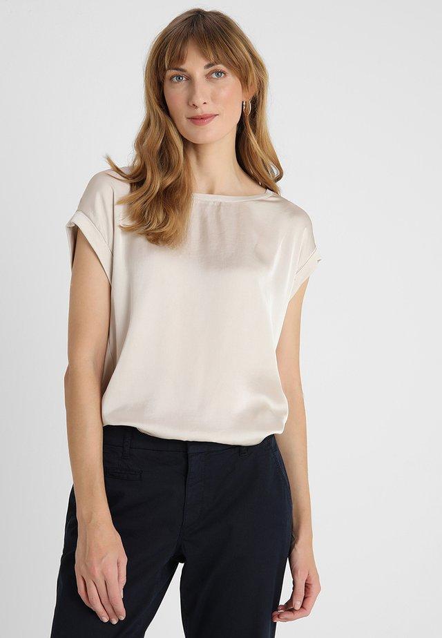 THILDE - T-shirt basique - sand