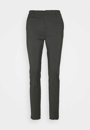 VMLEAH CLASSIC PANT - Bukse - peat
