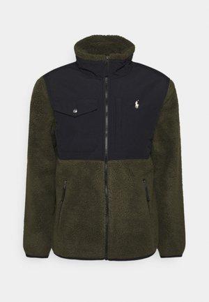 SHERPA - Fleece jacket - company olive