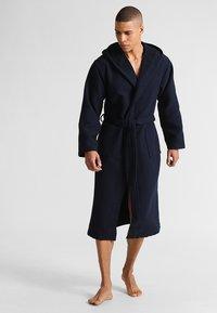 Schiesser - Dressing gown - dunkelblau - 0